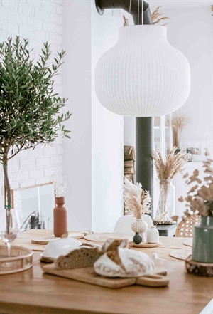 Decorate your home with the Muuto Strand pendant and create a cozy environment